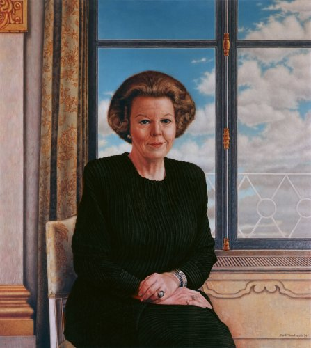 Portret Koningin Beatrix, Officiëel Staatsieportret (In opdracht van de Gemeente Rockanje)